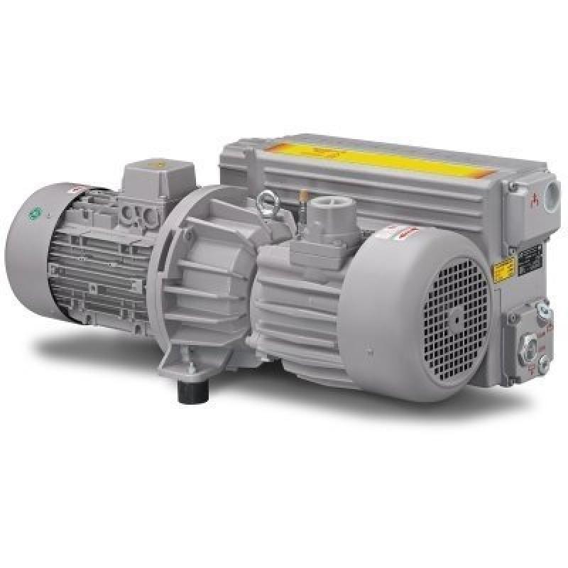 Пластинчато-роторный вакуумный насос DVP LC.151